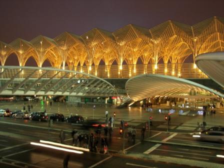 Gare de Oriente de noche