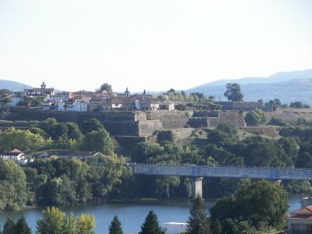 Puente internacional del río Miño