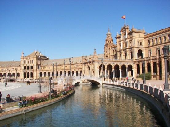 Plaza España de Sevilla río