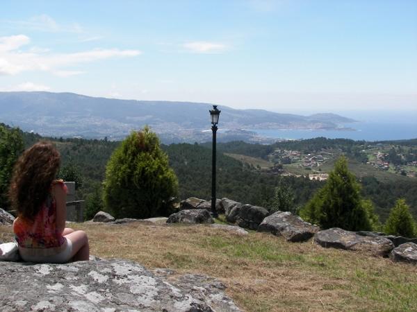 Las vistas desde el Monte Alba, abarcan gran parte de las Rías Baixas  Foto: Miguel Ángel Otero Soliño